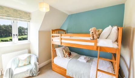 Lyndhurst Bedroom 5 (Bunk Room)