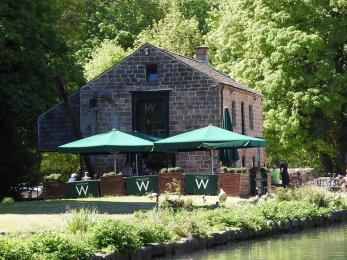 Wheatcroft's Wharf café