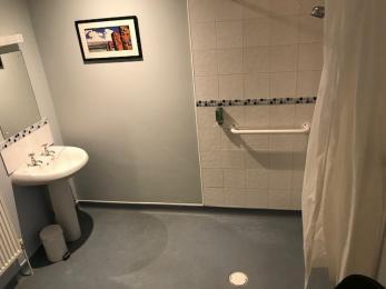 Room 5 Bathroom 3