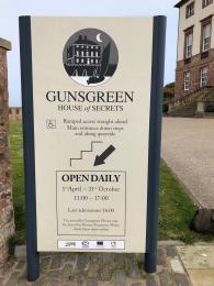 Signage Gunsgreen House