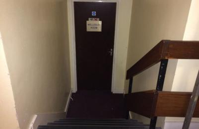 Stairs down to Wellesley Room.