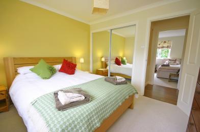 Tomanour bedroom
