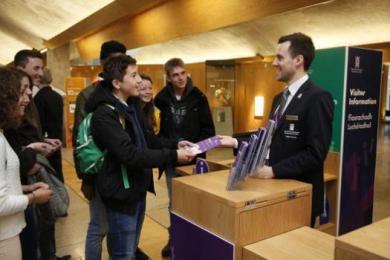 Scottish Parliament, visitor information point