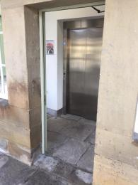 West Gate Rustic Level Lift