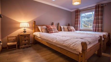 The Old Schoolhouse, Lochearnhead, bedroom