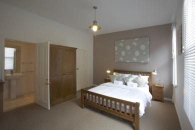 King bed with ensuite on 1st floor