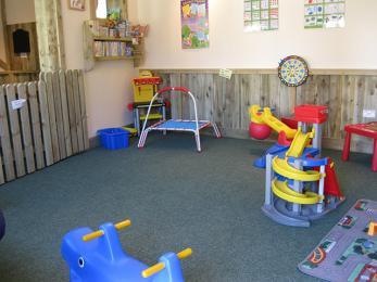 Under 7's play barn