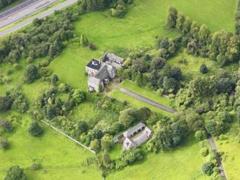 Aerial photo of Bannockburn House showing grounds in 2016
