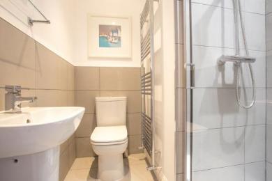 Ambler's Retreat Shower Room