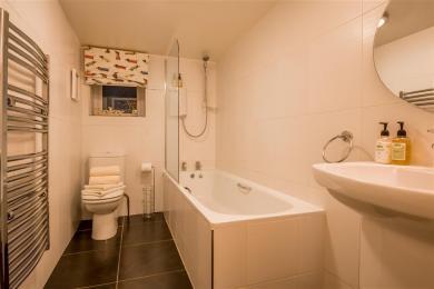 Campbell Cottage Bathroom