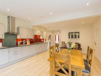 Chauffeurs Cottage Open Plan Kitchen Dining