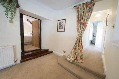 Fisherbeck Nest access to bedrooms from main living area