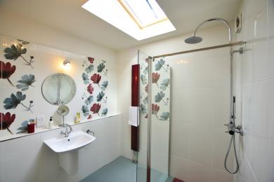 en-suite bathroom in accessible bathroom