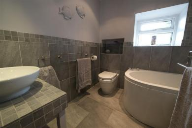 The Gallery Bathroom