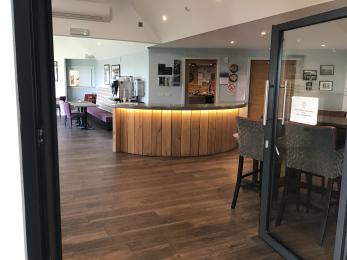 Lobby to lounge bar
