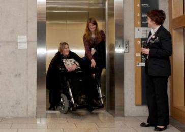 Scottish Parliament, lift