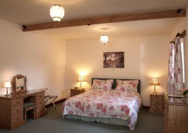 Annexe 4 , 3 centre lights, bedside lamps, lamp on dressing table and standard lamp. Outside light outside entrance.