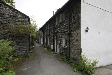 Old Quarry Cottage Path from Parking Area