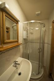 Rose Bank Cottage En-suite Shower Room