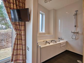 Onyx Bathroom/Wetroom