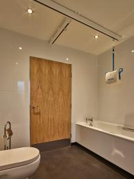 Ruby wetroom with bath and hoist