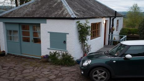The Wee House parking