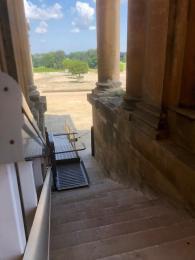 Palace Lift
