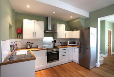 Vine Tree Kitchen