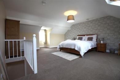 Vine Tree Second Floor Bedroom