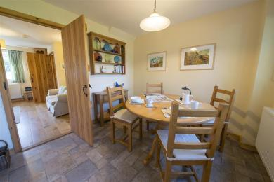 Yewdale Cottage Dining Area