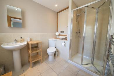 Yewdale Cottage En-suite Shower Room