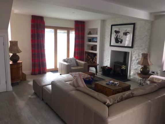 Galleon House Calstock Lounge