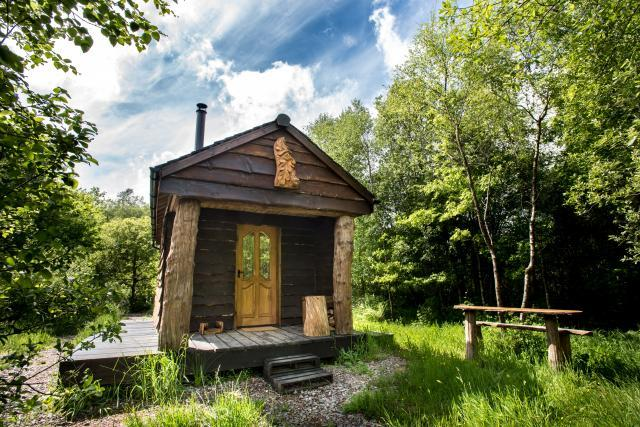 Luxury Eco Cabin in it's Private Woodland Glade
