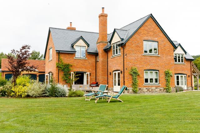 5* Luxury holiday house, with downstairs bedroom and large garden in a stunning, rural location